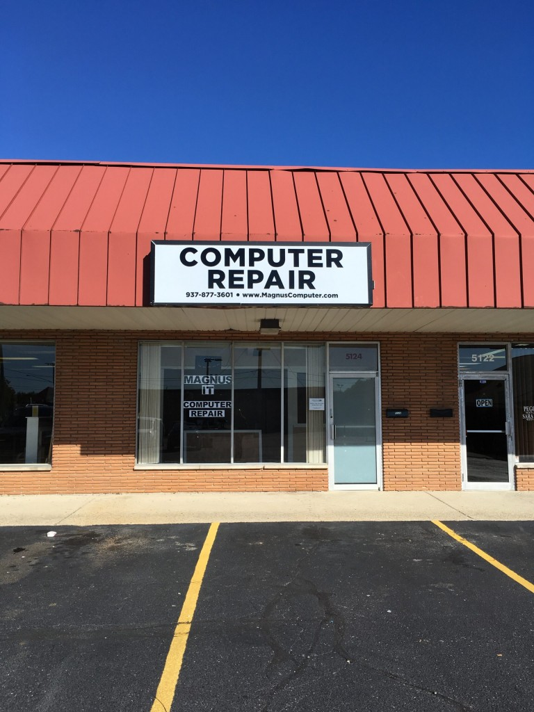 Magnus IT Computer Repair Sign